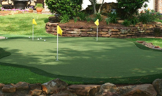 Golf In Your Back Yard With A Custom Putting Green