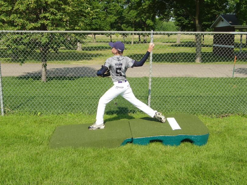 Packaging or Promotional image for Indoor Outdoor Pro Practice Mound