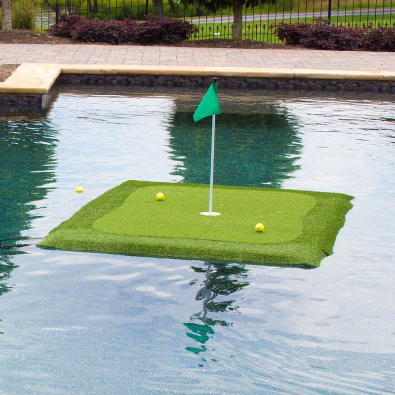 Packaging or Promotional image for Floating Golf Green Original - 4' x 6'